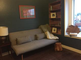 Newly Remodeled Eco-Modern 3BR Apt on Urban Farm, Berkeley