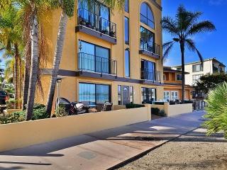 Bayfront Beach - Mission Bay Vacation Rental, San Diego