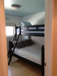 Bunk bed room can accommodate up to 4