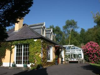Golden Pond Lodge,  Luxury, 5 mins from village., Killorglin