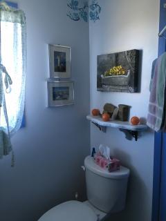 1st floor bath washroom