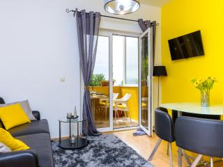 Villa Guanita - Two Bedroom Apartment with Terrace(Yellow)