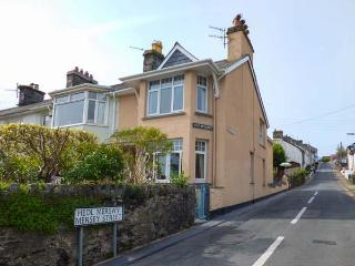 BRONALLT spacious and welcoming, close to beach, sea views, WiFi in Borth-y-Gest, Ref 933131