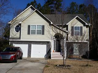 SPACIOUS 6 bedroom 3 Bath Home SLEEPS up to 13!!!!, Cartersville