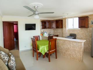 One-Bedroom Apartment - Ground Floor - Sleeps 4, Santo Domingo