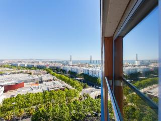 Superior Rentals in Lisbon - Expo (FREE PARKING), Lisboa