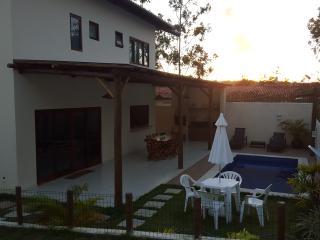 LInda Casa em Praia do Forte 4/4 com Ar e Piscina.