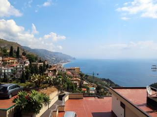 Taormina center sea view apartment