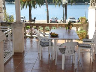 Seafront,charming old house Rijavec, Cavtat