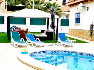 Beautiful Detached Villa with Private Pool, Alicante