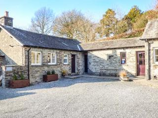 DERWENTWATER one of eleven apartments in a courtyard setting, woodburning stove, pet-friendly in Sawrey Ref 935820