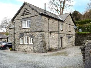 CONISTON one of eleven apartments in a courtyard setting, open plan, pet-friendl