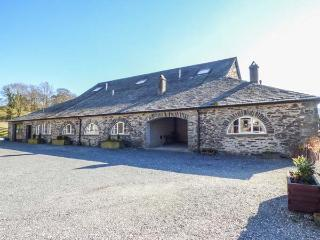 GRASMERE one of eleven apartments in a courtyard setting, woodburning stove, pet-friendly in Sawrey Ref 935818