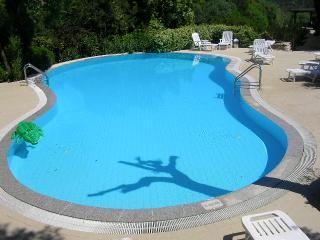 Costa Smeralda apt 6 posti in elegante residence con piscina