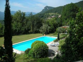 LUXURY LET IN THE MED. PYRENEES/LARGE PRIVATE POOL