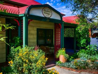 Benalla's Rushton Cottage B&B (private apartment)