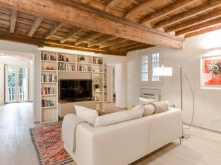 Mordini luxurious apart in Lucca historical center
