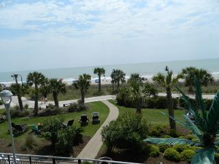 "Oceanfront Condo "" Free Wifi * Lazy River * Pool, North Myrtle Beach"