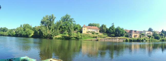 la Rebiere d'or au  bord de Dordogne chambres de charme  et gîte, bassin de nage,  Périgord  Pourpre