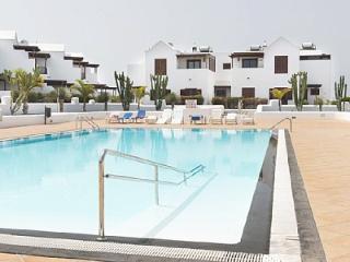 LauraPark,Casa Irene,con piscina cerca de la playa, Playa Blanca