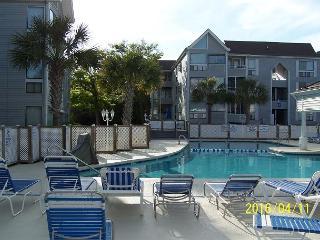Nice Condo, Cozy & Great Location @ A Great Price, 1st Floor AD#10-140, Myrtle Beach