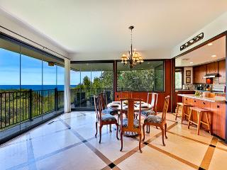 Private home with ocean views and private hot tub, La Jolla