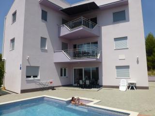 Fantastic View, Pool & peacefull!, Okrug Gornji