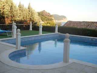 Petrovac Holiday Apartment BL***********