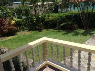 BJ's Terrace Apartment, Gros Islet