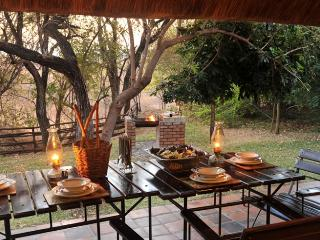 Two-bedroom Lodges at Lokuthula, Victoria Falls., Cataratas Victoria