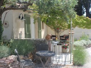 Studio in garden of private villa, terrace, pool