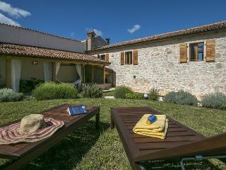 Lovely Istrian stone house near Porec