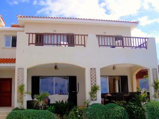 Luxury Villa with Beautiful Views and Private Pool, Tala