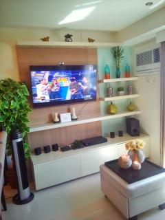 Living area features a 50' full HD LED television w/ cable and 3D capacity