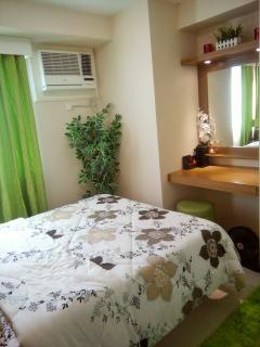 Bedroom 2 w/ own vanity area