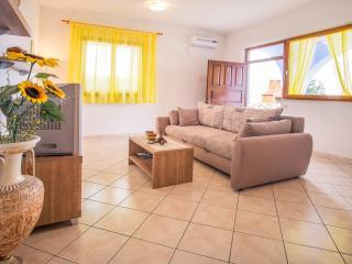 apartment (2+2) for relaxing holiday 1, Stara Baska
