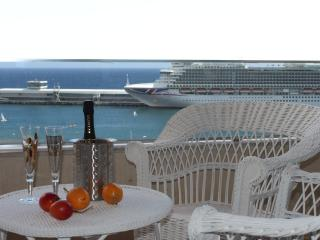 Beautiful Apartment in Marina, Funchal