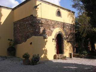 The Artist's Cottage - sleeps 7, Milazzo