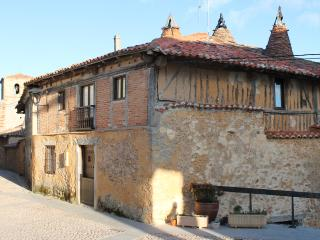 Casa Rural Casaeldioni , Calatañazor
