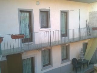 appartamento caratteristico in legno, Madonna del Sasso