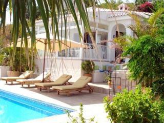 Charmig villa med havsutsikt, pool och trädgård, Salobrena