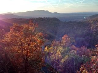 Sunset views close to Dollywood, with Discounts!, Sevierville