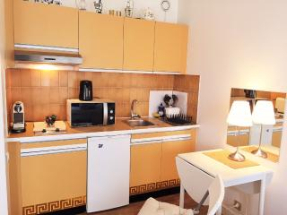 Apartment Suresnes / Paris Porte Maillot
