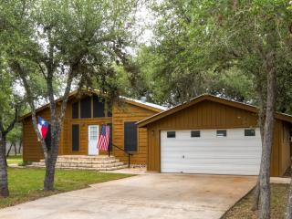 3BR House on Canyon Lake w/Private Gazebo!