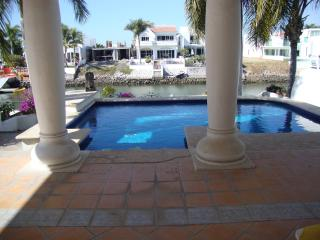 Marina el Cid vacation home with private pool, Mazatlan