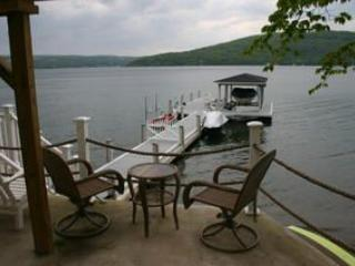 Romantic Lake House w/Excellent Views, Hammondsport