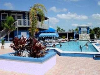 Ocean Reef: 2-Bedrooms, Sleep 6, Full Kitchen, Freeport
