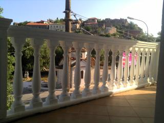 Spacious and cosy house in Himara Castle