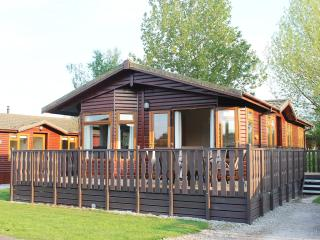 Luxury Holiday Lodge with shared Pool and free in lodge WIFI