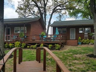 Cottage With Open Floor Plan And Great View!!